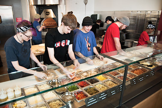 Mod Pizza assembly line. source: http://chaddsfordlive.com/