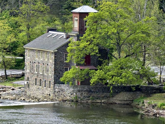 Somerville Manning Gallery at Breck's Mill